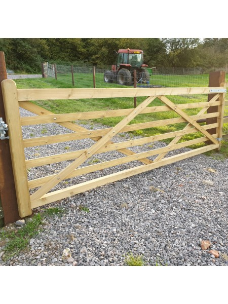 11' Welsh 6 Bar Softwood Gate Solid Bottom Rail Multi-Hang